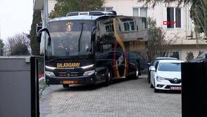 Galatasaray ve Beşiktaş, derbi için yola çıktı