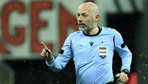 Cüneyt Çakır, Beşiktaş-Galatasaray derbisinde sakatlık yaşadı