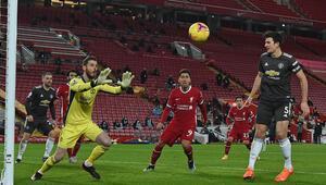 Premier Ligde Liverpool ile Manchester United golsüz berabere kaldı