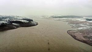 İstanbulda 3 gündür etkili olan kar yağışı barajlara yaradı Sevindiren haber...