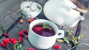 Bağışıklığı güçlendiriyor, enfeksiyonları önlüyor… Kuşburnu çayının faydaları
