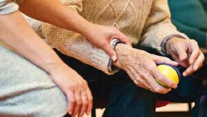 """""""İletişim azaldıkça, Alzheimer süreci hızlanıyor"""""""