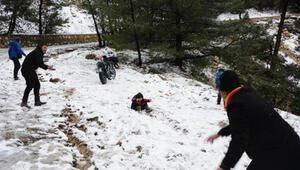 Datçaya 2 yıl aradan sonra kar yağdı