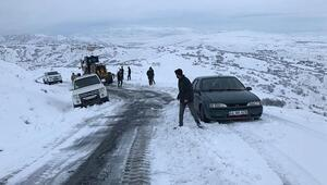 Elazığda karda mahsur kalan 15 kişi kurtarıldı