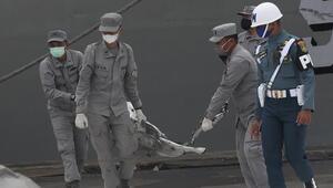 Endonezya'da düşen yolcu uçağına ilişkin ön rapor 1 ay içinde açıklanacak