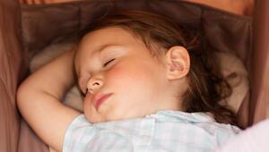 Çocuklar için uyku rutini nasıl oluşturulur