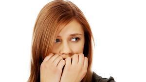 Tırnak yeme alışkanlığı nasıl bırakılır Uzmanından çözüm önerileri...