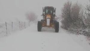 Batman Gercüşte, kardan kapanan 11 köy yolu açıldı