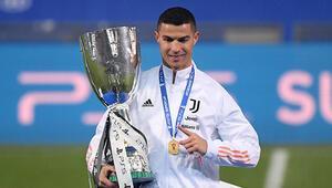Juventus İtalya Süper Kupasını kazandı Cristiano Ronaldo 760 gole ulaştı