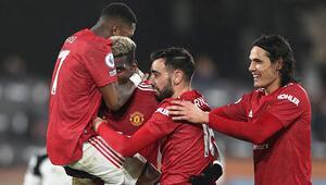 Manchester United yenilgi unuttu, liderliği sürdürdü