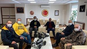 Lise öğrencileri Naim isimli güvenlik robotu geliştirdi