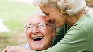 Yaşlandıkça insanların karakterleri nasıl değişiyor