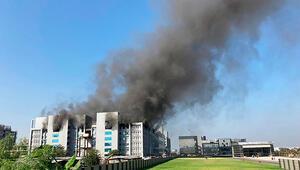 Son dakika...Hindistanda aşı üretim tesisinde yangın çıktı