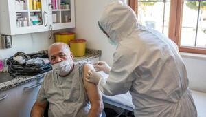 Kepezin huzurevi sakinlerine Covid-19 aşısı