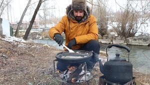 Kamp yemekleriyle yöresel lezzetleri tanıtıyor On binlerce takipçiye ulaştı