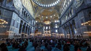 Osmanlı Hanedan Reisi Osmanoğlu için Ayasofya-i Kebir Camiinde gıyabi cenaze namazı kılındı