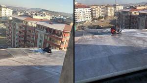 Buz tutan çatıda temizlik yaparken düştü, mahsur kaldığı yerden itfaiye kurtardı