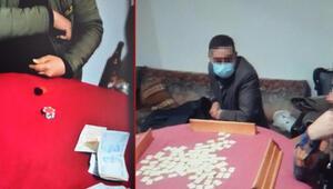 Kısıtlamada kumar oynarken yakalandılar