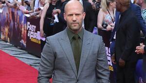 Aktör Jason Statham, kurşun geçirmez camlı villada kalıyor