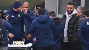 Fenerbahçede Kemal Ademinin doğum günü kutlandı