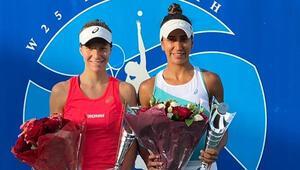Milli tenisçi Çağla Büyükakçaydan Birleşik Arap Emirliklerinde çiftler şampiyonluğu