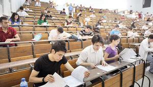 Üniversiteler ne zaman açılacak 2021 İkinci dönem için YÖK Başkanı Saraçtan açıklama