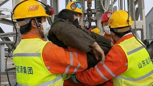 Çin'de mahsur kalan 22 madenciden 11i iki hafta sonra kurtarıldı