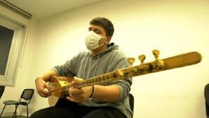 Genç müzisyenin hayali ikinci Neşet Ertaş olmak