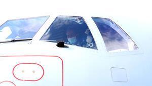 Ve ilk görev uçuşunu gerçekleştirdi... Bakan Akar dikkatle inceledi...
