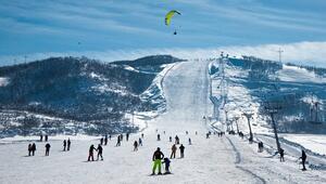 Ovacıkta kayak merkezi tatilcilerle doldu