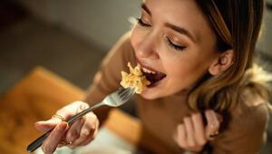 Sürekli aç hissediyorsanız dikkat Sebebi bunlar olabilir