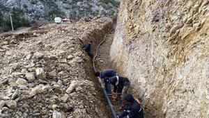 Büyükşehir İbradıda içme suyu hattında deplase çalışması yaptı