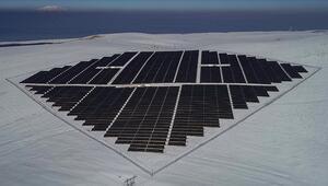 Fosil yakıt şirketlerinin hisseleri dibe vurdu, 2020nin kazananı temiz enerji oldu