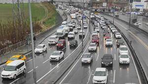 İstanbulda trafik yoğunluğu devam ediyor