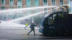 Hollanda durulmuyor: Taşkınlıklar başka şehirlere de sıçradı