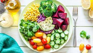 Bağışıklığımızı kuvvetlendirmek için renk renk ve dengeli beslenmeliyiz