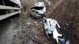 Sarıyerde feci kaza Otomobil ve kamyon kafa kafaya çarpıştı: Bir kişi hayatını kaybetti