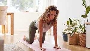 Şişkinliği Önlemek ve Sindirimi Artırmak İçin 4 Basit Yoga Pozu