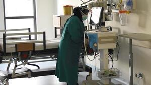 Koronavirüs vaka sayısı ile yoğun bakım doluluk oranı azalan Eskişehir'de sağlıkçıların yüzü güldü