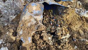 Bitliste teröristlerce toprağa gömülmüş yüzlerce pil bulundu