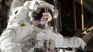 Astronotlar yeniden uzay yürüyüşüne çıktı