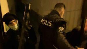 Koçbaşıyla kapısı kırılarak girilen mekanda 50 kişi eğlenirken yakalandı