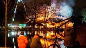 Rotterdam'da büyük yangın... 14 yaşında bir çocuk gözaltında...