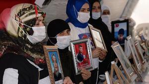 Diyarbakırda HDP önündeki evlat nöbetinde 514üncü gün