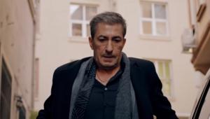 Kırmızı Oda dizisindeki Sadi kimdir Kırmızı Oda kadrosuna katılan Erkan Pettekkayanın hayatı hakkında bilgiler