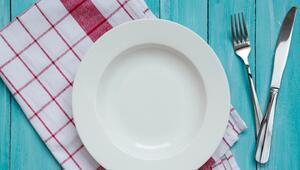 Çizilmiş yemek tabaklarını ilk günkü hale getirmenin en kolay yolu