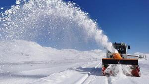 Tuncelide 160 köy yolu, kardan kapandı