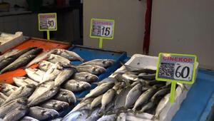 Hamsi avı yasağı uzadı, tezgahları farklı balıklar süsledi