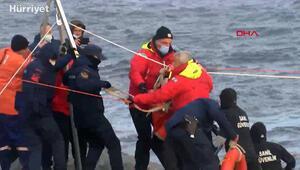 Zeytinburnunda kıyıya sürüklenen gemideki personeller kurtarıldı