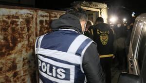 Son dakika: Adanada 90 firarinin yakalanması için şafak operasyonu